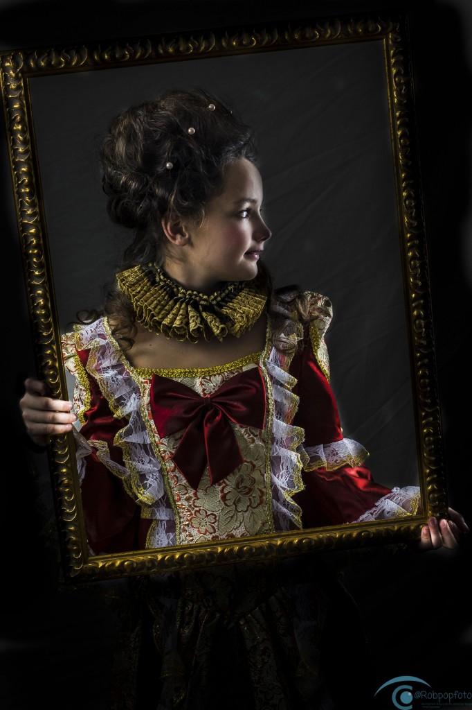 Victorian girl  model : Eva van Ijzendoorn Fotograaf : Robpopfoto